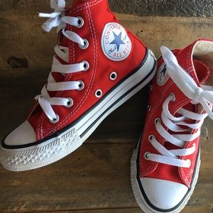 Kids Toddler size 11 Red ⭐️Converse⭐️ All Stars